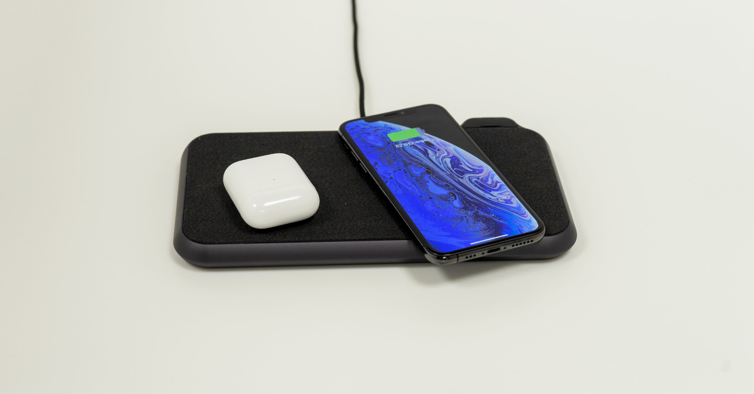 ZENS LIBERTY 16-coils wireless charger, Kvadrat edition with Apple AirPods and iPhone Xs